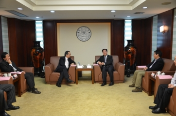 President of Yuan Ze University Visited XMU